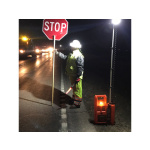 Flagger-light-at-night-with-flagger